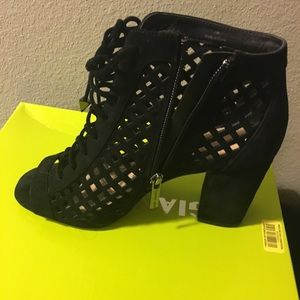 Gianni Bini booties